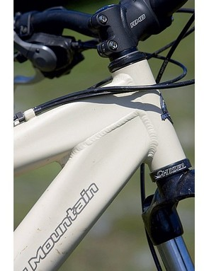 Square to round section main tubes provide the backbone and give the head tube area massive support
