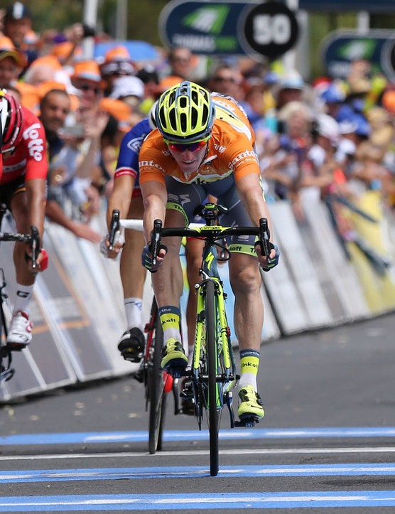 Rohan Dennis (BMC) gets pipped to the finish line by Simon Gerrans (Orica-GreenEdge) in the third stage of the 2016 Tour Down Under