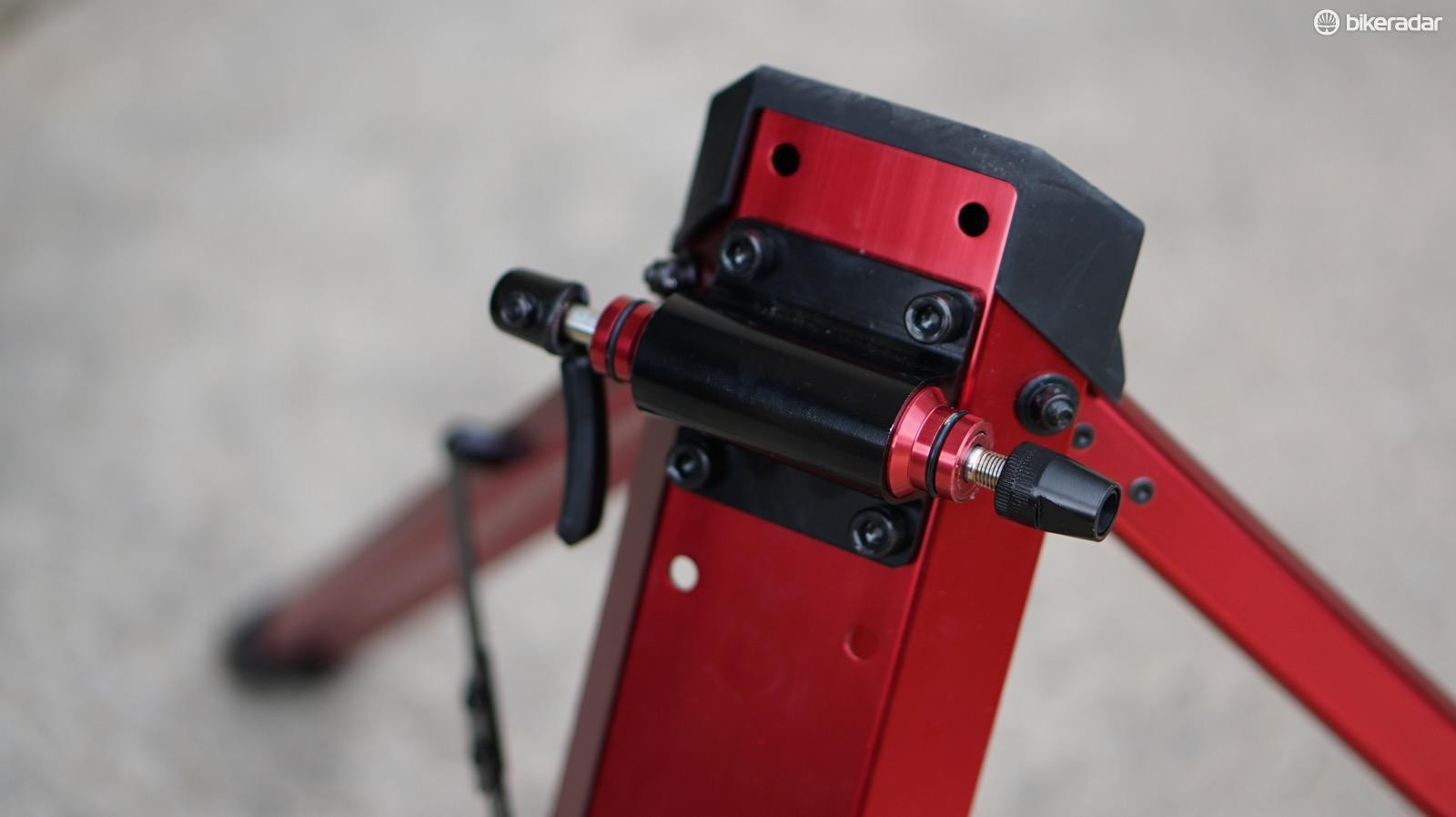 The Omnium is also height adjustable, but you have to unbolt and rebolt the fork mount to do so