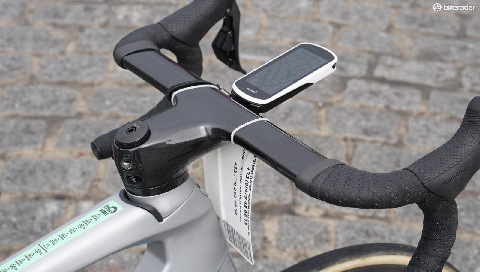 What's even bigger than Madone aero bars? A Garmin Edge 1030, of course. I've grown accustomed to the size, and appreciate the clear navigation and battery life, among other things