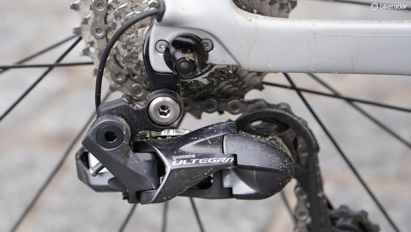 Can you tell the difference in performance between a Dura-Ace Di2 and Ultegra Di2 derailleur? I can't