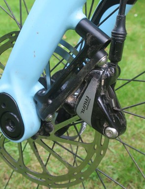 When you switch the TwinTip fork over you do need to run a brake adaptor