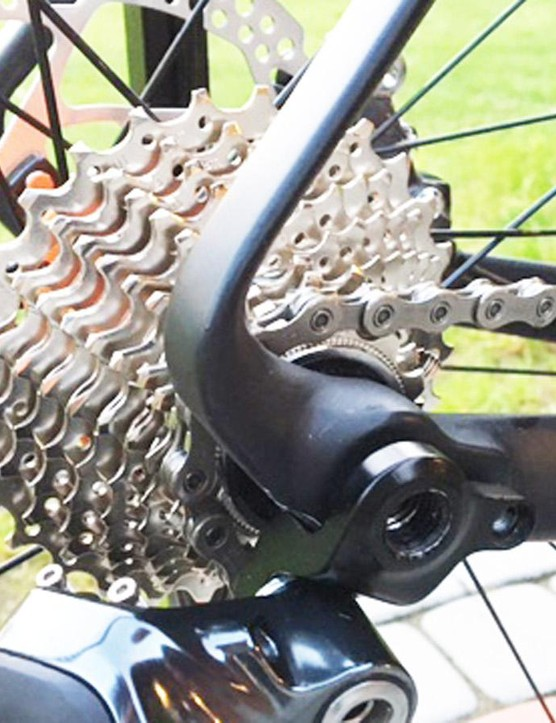 At the rear, the chainstays and seatstays morph into each other, and the rear mech is centred by the thru-axle, a design Rondo has borrowed from sibling MTB brand NS