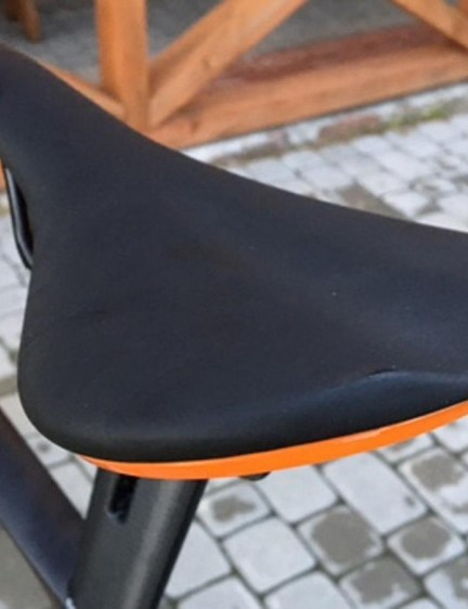 Fabric provides the colour coordinated saddles