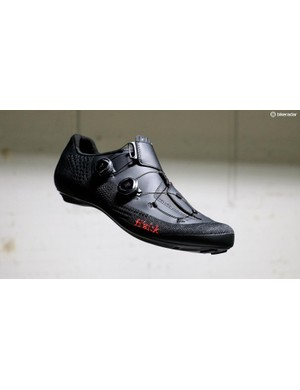 Fizik's R1 Infinito Knit shoes use a knit fabric that's becoming increasingly popular for cycling shoes