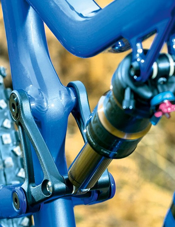The Fox Float Factory Elite DPS 140mm rear shock with symmetrical four-bar linkage