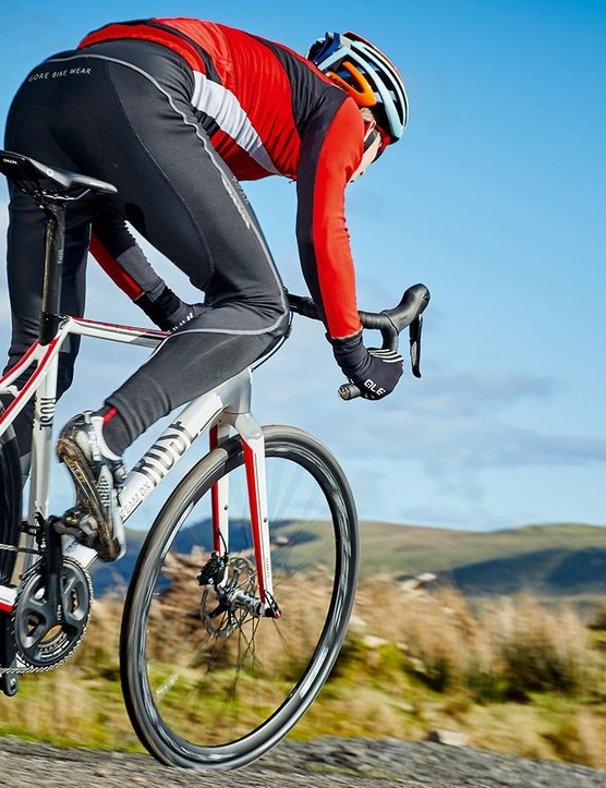 Aided by the chunky Schwalbe rubber, the Team DX Cross glides well over corrugated surfaces