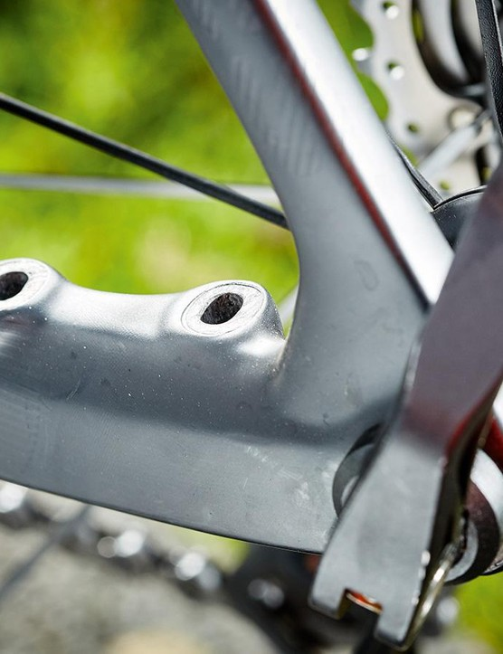 The frame shares some of the moulds of Rose's disc-braked aero bike