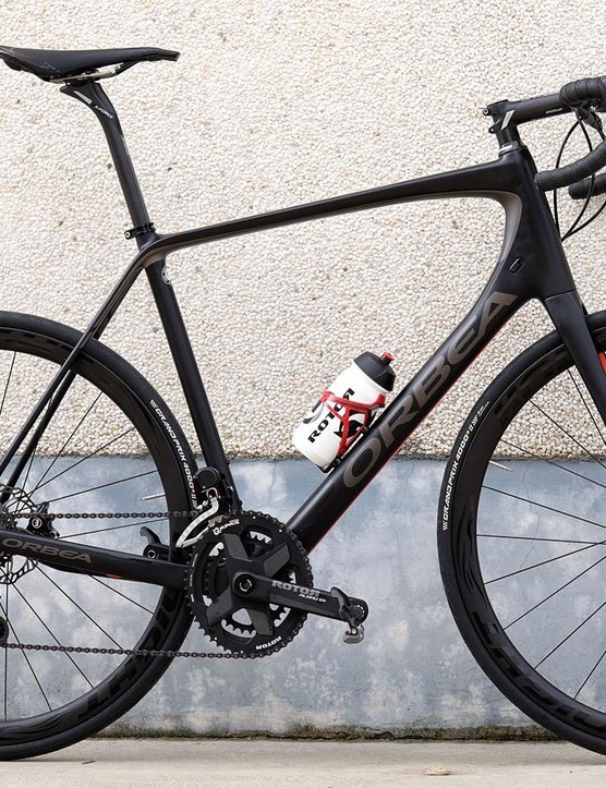 The Orbea Avant test bike featured Rotor's Uno groupset, Aldhu 3D+ cranks and Rvolver hubs