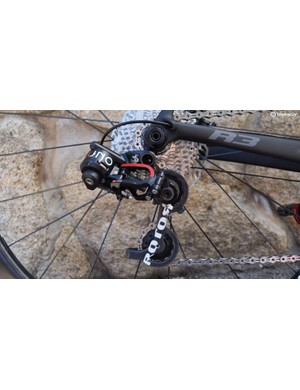 The UNO rear derailleur is an impressive piece of engineering. That switch on the upper knuck drops it to its lowest position