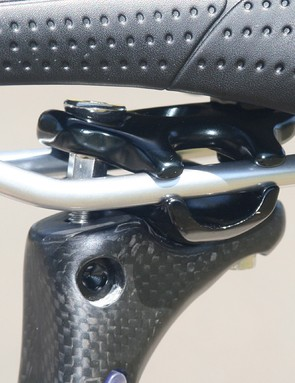 Two-bolt seat post