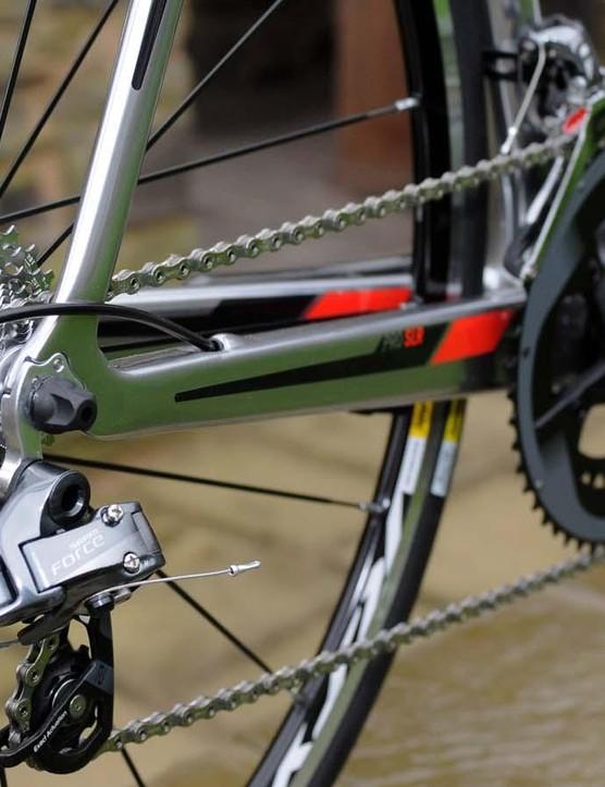 A full SRAM Force 22 drivetrain and Mavic Ksyrium Equipe wheelset are race ready