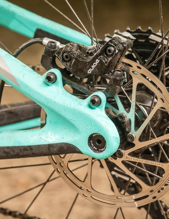 A new suspension design allows the Recluse to have an extra short 419mm rear end