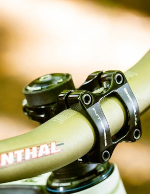 Renthal Fatbar held in place by a 40mm Intense stem