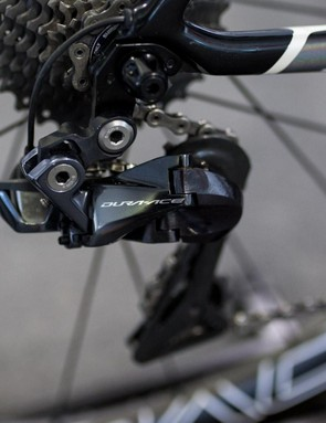 The bike is equipped with a Shimano Dura-Ace R9150 electronic groupset