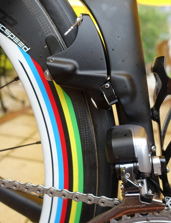 Specialized representatives were on hand at all their sponsored teams installing updated versions of the Venge brakes. With tighter clearances, new materials and new springs they offer a better feel