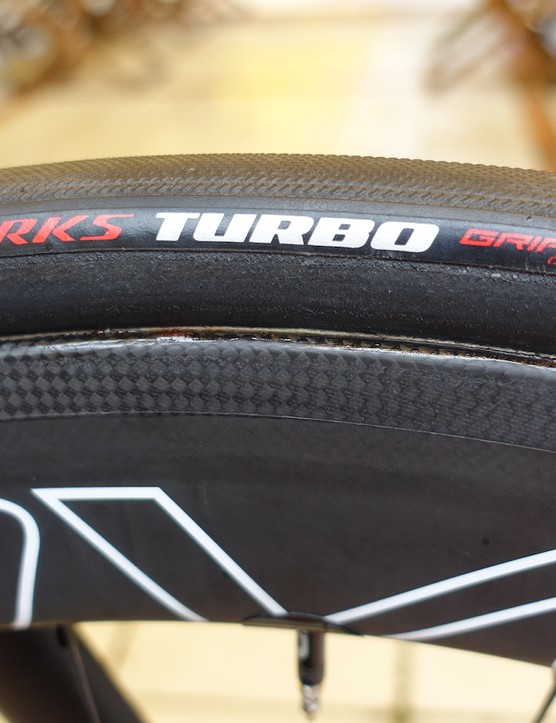 Glued to his Roval CLX64 wheels are a set of Specialized S-Works Turbo Allround 3 tubulars in a 26mm width