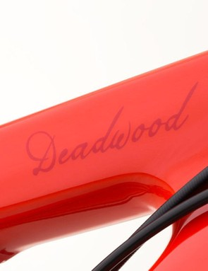The Deadwood SUS uses external routing save for the internally-routed dropper seatpost