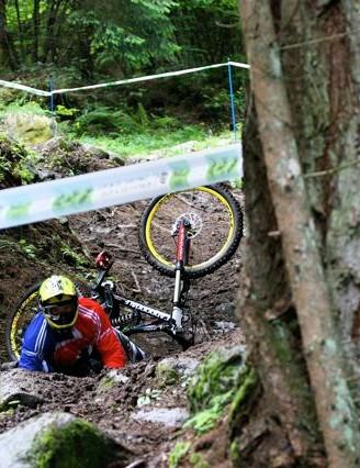 Sam Dale crashes