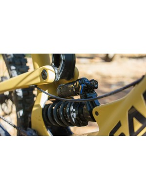 A coil sprung RockShox Super Deluxe RCT shock handled the 170mm of rear travel