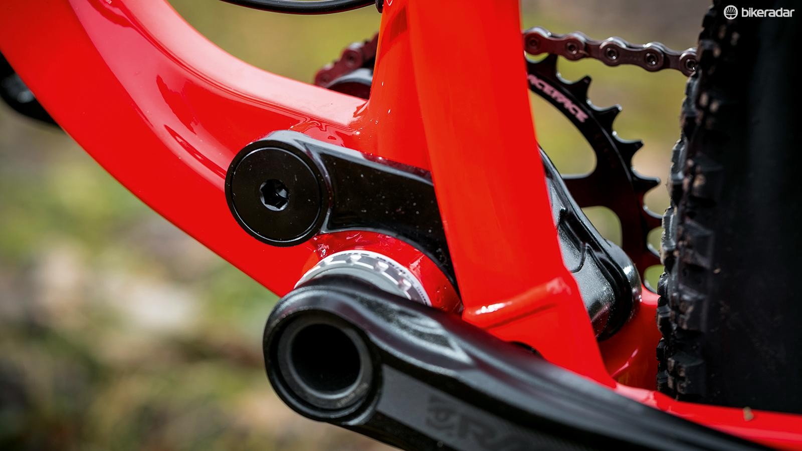 RaceFace Aeffect crank and a direct mount Cinch ring
