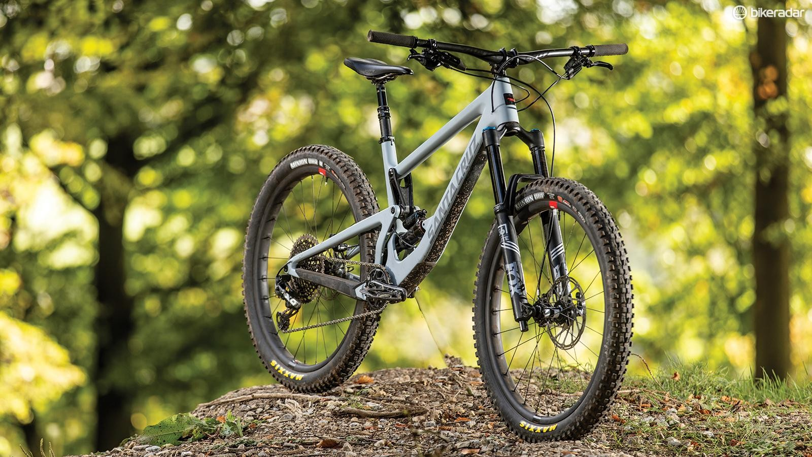 The transmission is full SRAM X01 and the brakes are our favourite SRAM Code RSCs