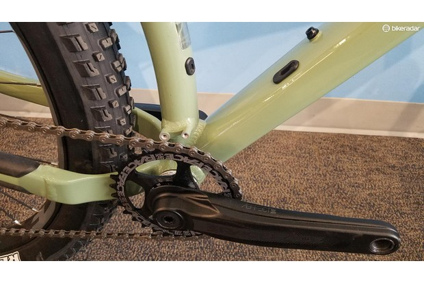 The Chameleon can accept a low-direct mount front derailleur