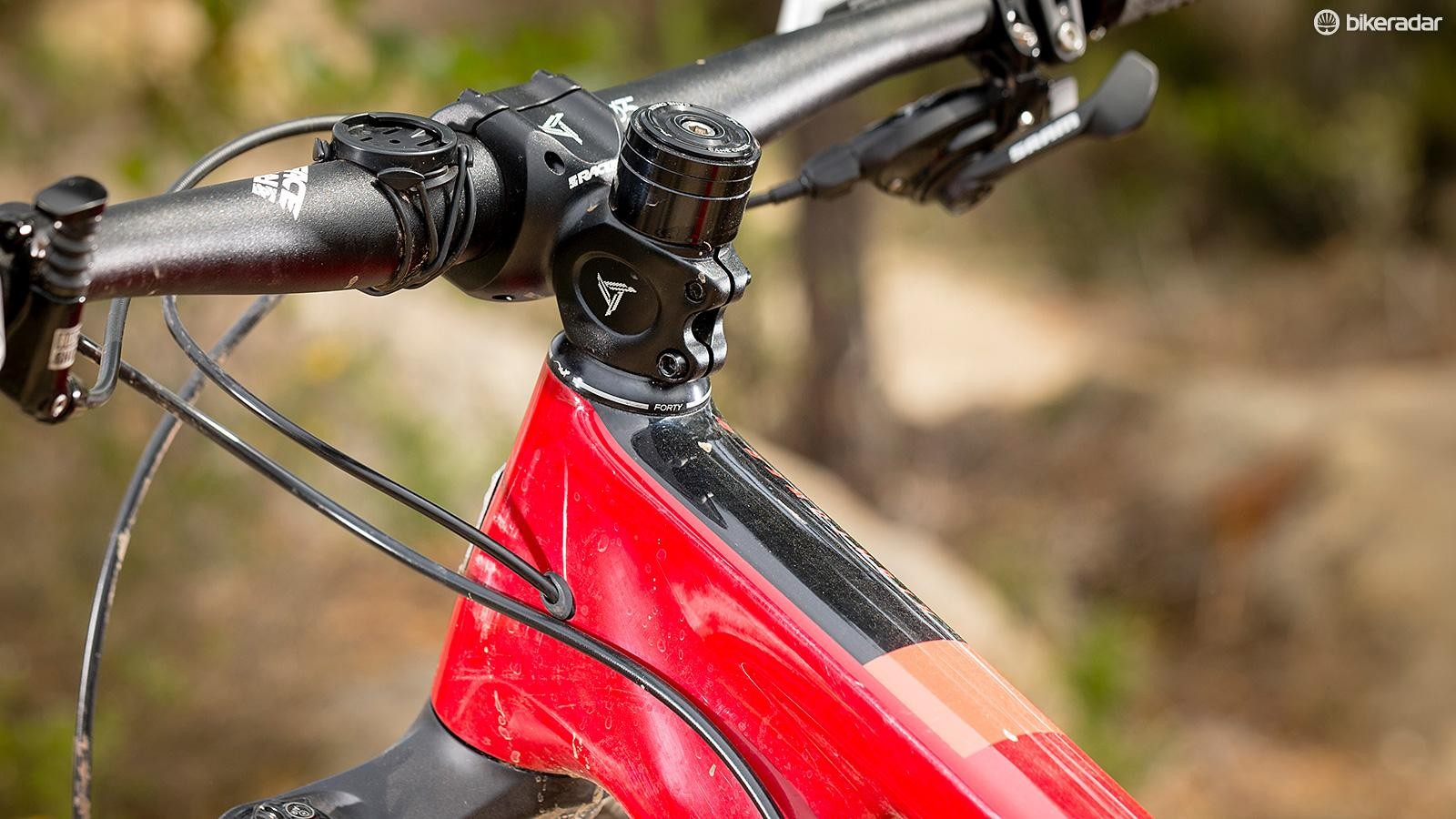 The slack 66.5-degree front end boosted confidence when taking on rocky terrain