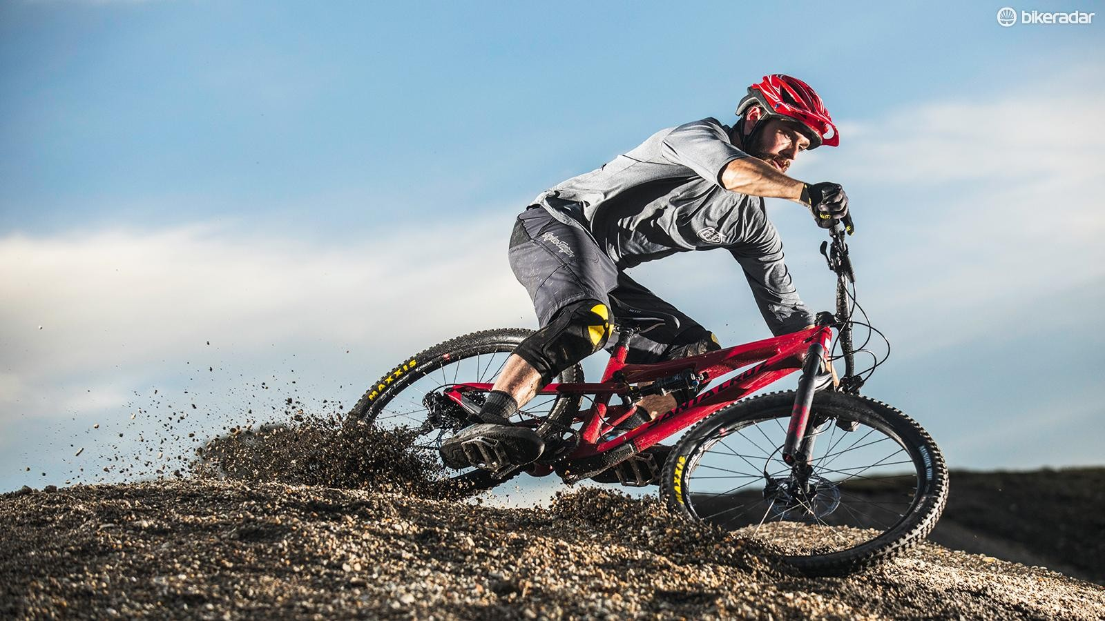 This is a bike that's designed to be poppedand played around on rather than justhidden behind as you plough through stuff