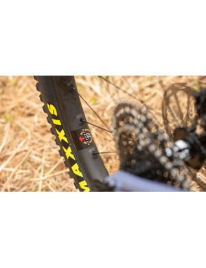 Santa Cruz Reserve 27 wheels are light and stiff