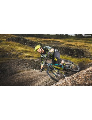 Despite the refreshed geometry,stouter fork, toothier tyres andenduro cockpit, the Kili lacksdescending confidence