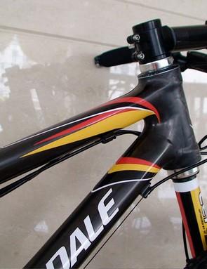 Ride tuned and race optimised HeadShok Lefty fork