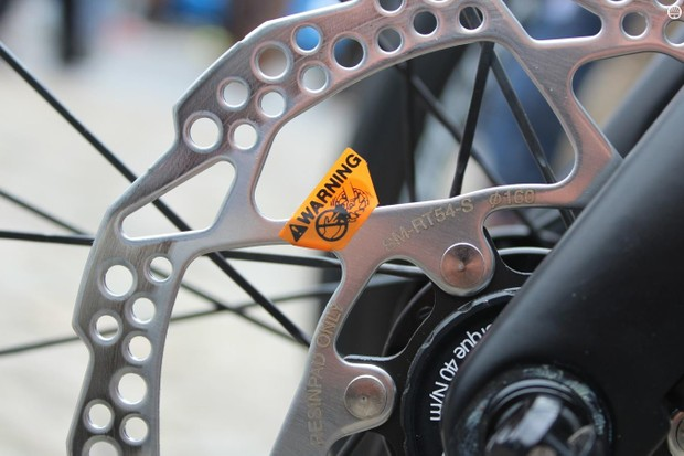 Disc brakes had only just begun to be used in the pro peloton before their use was suspended