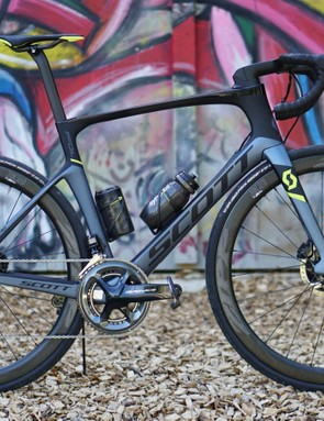Scott opts for aftermarket wheels but a house-brand cockpit and saddle for its top-end Foil Disc