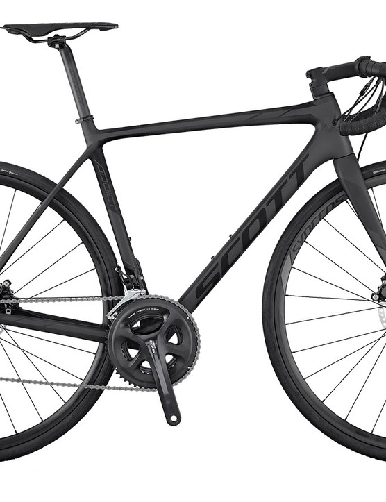 The Addict 30 Disc is super stealth with its black on black paint job