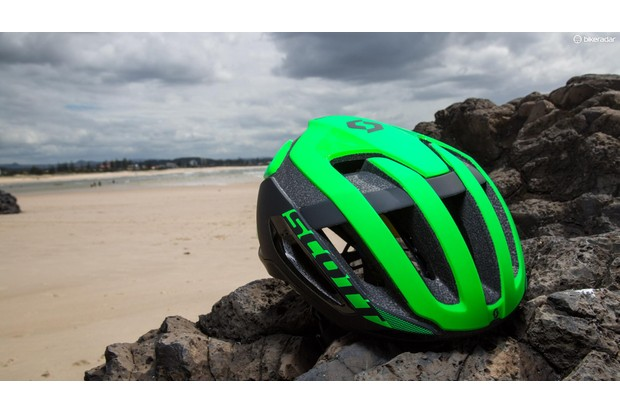 The Centric combines many favourable qualities to create a great all-round lid