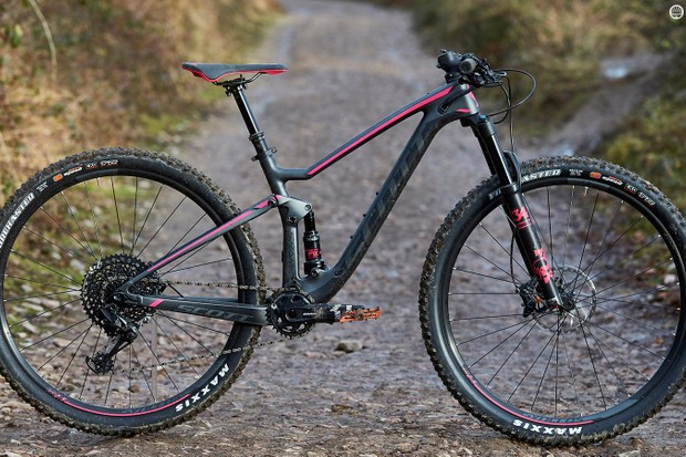 The serious looking Scott Contessa Spark 910