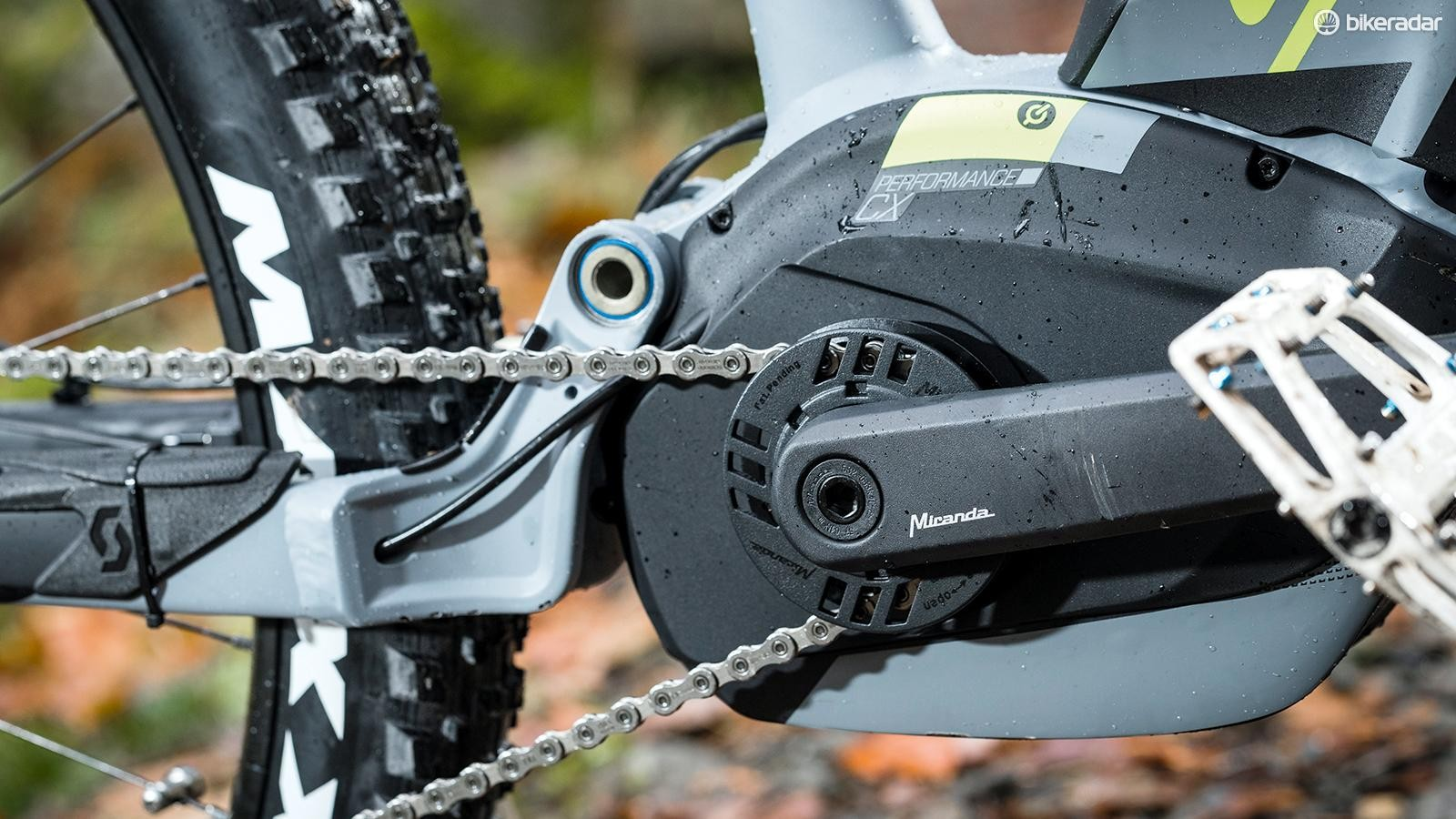 Ground clearance isn't limited by the chainring on the Scott E-Genius 710 Plus