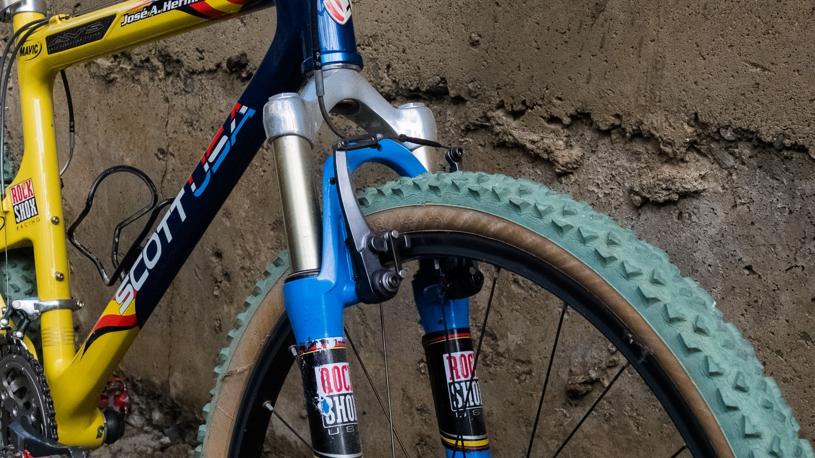 Although nifty, these XTR parallel push brakes weren't the quietest