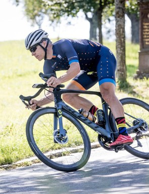 Like previous Foils I have ridden and raced, the Foil Premium Disc eagerly dives into corners