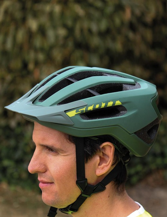 While the front straps sit quite far forward, on your cheekbones, we didn't notice them when wearing riding glasses