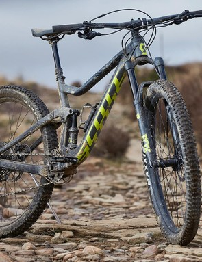 Scott Genius 940 can work with bigger 29in wheels or 650b plus wheels