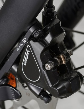 Shimano hydraulic brakes with 160mm rotors, front and back, keep you in control