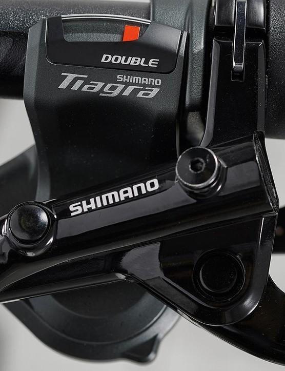 Shimano Tiagra gearing provides smooth shifting