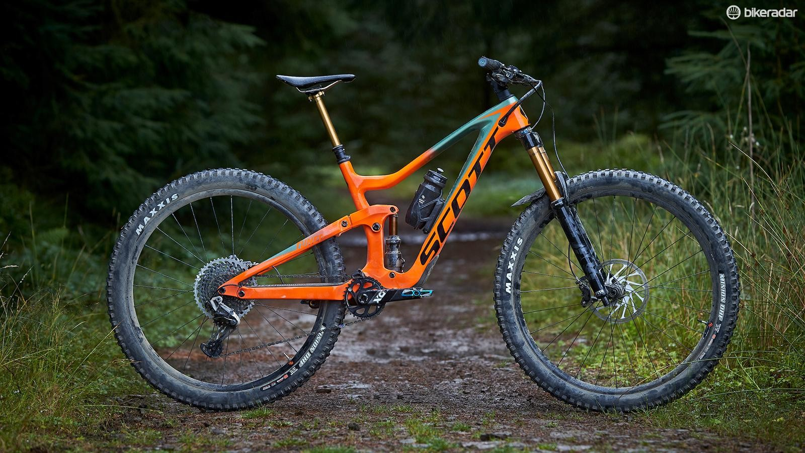 While the new Ransom looks very similar to the Genius, it's burlier frame and 170mm of travel mean it's ready tackle some seriously technical, gravity fuelled riding