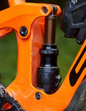 The latest Fox NUDE TR EVOL shock comes complete with the Ramp Control lever which lets you toggle between the 'linear' or 'progressive' modes when the shock is fully open