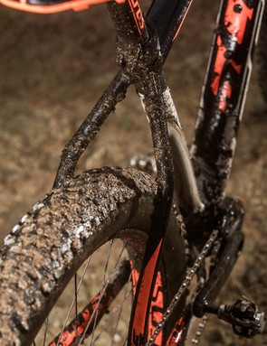 The wide-spaced Boost back end will take seriously chunky 27.5x3in rubber as well as 29er wheels for faster rolling