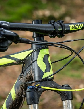 The 720mm bar and 69.5-degree head angle amp up the trail confidence