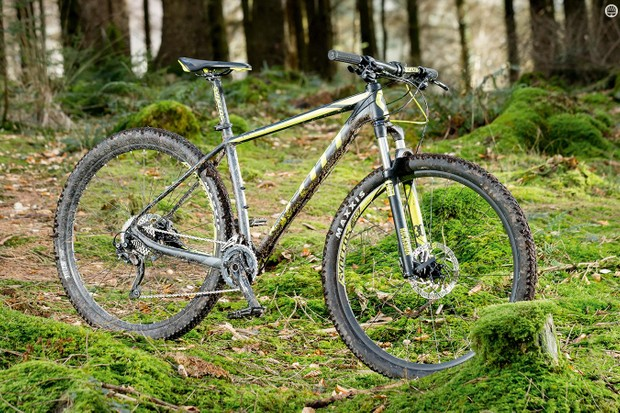 Scott's Scale 960 is an on-point blend of race DNA and out-and-out fun