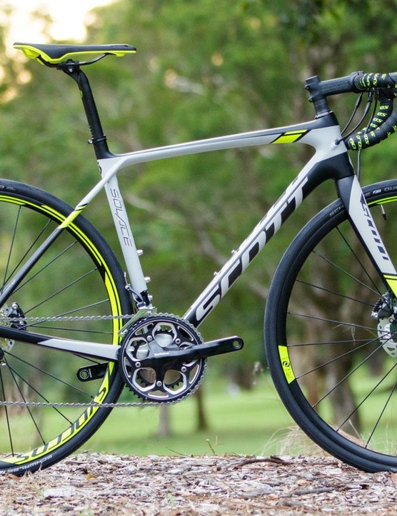 Built for a new category of endurance road bikes, the Solace Disc offers bigger rubber, disc brakes and wide range gearing